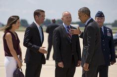 See the Life of Beau Biden Beau Biden, Joe Biden, Barack Obama, Delaware, Presidente Obama, Shake Hands, Cbs News, African American History, Life Photo