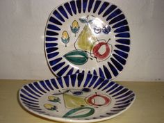STAVANGERFLINT - INGER WAAGE - 1950s. #stavangerflint #ingerwaage #retro #plates #tallerkener #dinnerware #tableware. From www.TRENDYenser.com. SOLGT.