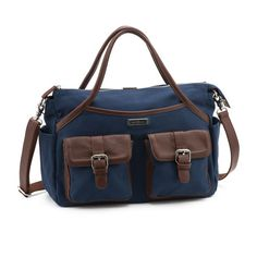 Lily Jade Eizabeth in Navy @lilyjadeco - Love the color of this bag & that it will convert into a backpack! The outer pockets help create more storage & the inside is set up for being super organized!