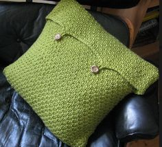 Moss Green Cushion Cover 8 or 5 mm, 11 or 8 mm, Double-Pointed Knitting Needles (DPNs)  Yarn Weight: (6) Super Bulky/Super Chunky