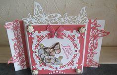 Gemaakt met de Vlinderrand van Joy!, vierkante mal van Joy! en en plaatje van Yvonne Creations
