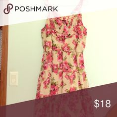 Floral ruffle dress Sweetest little dress. Worn only once. Perfect for any season Cato Dresses Midi