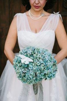 blue green hydrangea bouquet | itakeyou.co.uk | #weddingbouquets #bouquets #wedding
