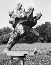 Zdeněk Němeček,  sochař,  socha,  sousoší Zvítězím Garden Sculpture, Outdoor Decor