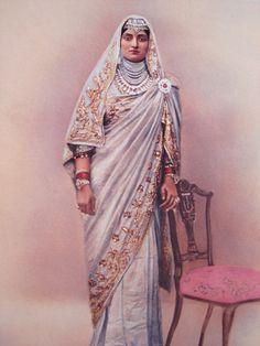 Maharani Bakhtavar Kaur - senior Rani of Maharaja Bhupinder Singh of Patiala - grandmother of Capt. Amrinder Singh CM of Punjab was a super-glamorous Maharani of Patiala, who got Cartier to redesign her necklace with a diamond of carats. Vintage India, La Bayadere, India People, Indian Wedding Jewelry, Patiala, Royal Jewels, Indian Wear, Indian Fashion, Royalty