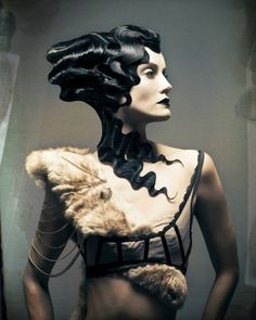 What intense finger waves! Those finger waves! Creative Hairstyles, Cool Hairstyles, Fantasy Hairstyles, Black Hairstyles, Vintage Hairstyles, Natural Hairstyles, Avant Garde Hair, Mode Editorials, Foto Fashion