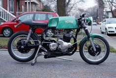 After a chance encounter with a Featherbed framed Commando powered café racer, Canadian Jean Des Rosier's blood started pumping again and he quickly realized he wanted to build something simi… Norton Motorcycle, Cafe Racer Motorcycle, Norton Cafe Racer, British Motorcycles, Cafe Style, Custom Bikes, Cafe Racers, Pumping, Blood