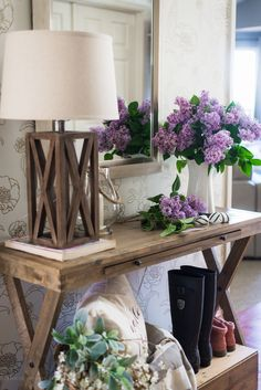 18 Elegant Ways To Give Your Entryway Farmhouse Style - The Cottage Market Entryway Furniture, Farmhouse Furniture, Entryway Decor, Entryway Ideas, Furniture Ideas, Farmhouse Style, Farmhouse Decor, Modern Farmhouse, Farmhouse Ideas
