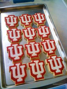Indiana University Cookies by SugaRush Desserts in Elkhart, Indiana - I think I need an IU cookie cutter to add to my collection! Indiana Basketball, Basketball Tickets, Elkhart Indiana, Indiana Girl, Iu Hoosiers, Graduation Cookies, Indiana University, Grad Parties, Cookie Desserts