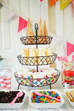Cones & cups/bowls for an ice cream sundae bar Bar Sundae, Colorful Ice Cream, Ice Cream Social, Graduation Diy, Graduation Party Desserts, Graduation Decorations, Festa Party, Icecream Bar, Ice Cream Party