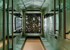 Fahrstuhl mit Sternbild von dem Eröffnungstag / Elevator with the constellation of the opening day