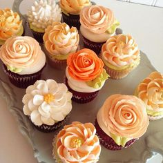 Baking Cupcakes, Cupcake Cakes, Wilton Cupcakes, Fancy Cakes, Mini Cakes, Flower Cupcakes, Cupcake Bouquets, Beautiful Cupcakes, Salty Cake