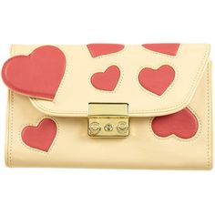Heart Padded Clutch Bag (2.950 RUB) ❤ liked on Polyvore featuring bags, handbags, clutches, purses, accessories, bolsas, women, man bag, heart shaped handbag and handbags purses