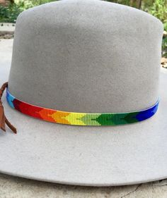 bird design - Beaded Bird Design Hatband in Rainbow Colors Great for Cowboy Felt and Panama Straw Hats Loom Bracelet Patterns, Bead Loom Bracelets, Bracelet Crafts, Bead Loom Patterns, Friendship Bracelet Patterns, Jewelry Patterns, Beading Patterns, Beaded Hat Bands, Native American Beadwork