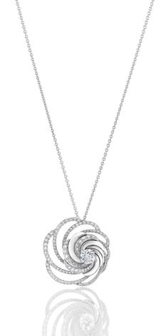 De Beers Aria diamond necklace in white gold embellished with pavé diamonds surrounding a central brilliant-cut diamond. Diamond Necklace Set, Diamond Pendant, Diamond Jewelry, Gold Jewelry, Jewelery, Pendant Necklace, Diamond Rings, Diamond Bracelets, Wedding Jewelry