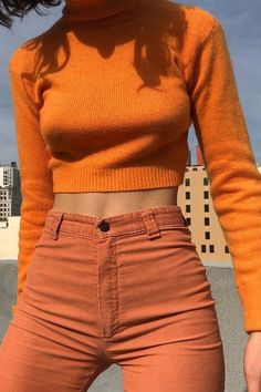 I Thought Orange Outfits Were Hideous Until I Saw These Roupas laranja elegantes Looks Street Style, Looks Style, Looks Cool, My Style, Orange Outfits, Orange Clothes, Orange Pants Outfit, Colorful Clothes, Colourful Outfits