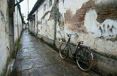 Hujan di Kota Gede.