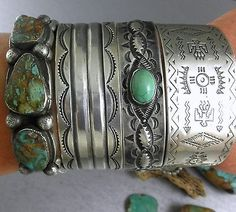 Fred-Harvey-Era-Repousse-Ingot-Green-Turquoise-Navajo-Early-30s-Cuff-Bracelet