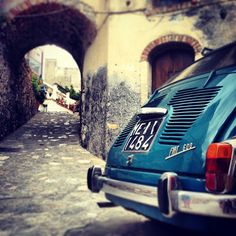 Summer, Italy, little streets & #Fiat600