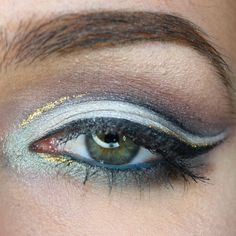 """""""Had fun doing this eye look  pop of gold Is crystal Liquid liner in gold by @nyxcosmetics and I used my @tartecosmetics #tarteist liner to be super precise !"""" Photo taken by @paulina_allure on Instagram, pinned via the InstaPin iOS App! http://www.instapinapp.com (04/28/2015)"""