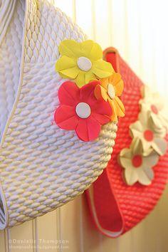 Badmutsen - de bloemen lieten helaas los bij frequent gebruik in het zwembad