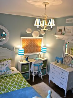Tween Girls Bedroom Design, Pictures, Remodel, Decor and Ideas - page 5....i like the layout, all i have to do is change the colors for a boys room!