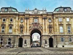 Pro tip: if you want to find the most fabulous decadent and empty courtyard perfect for taking pics head on down (up?) to Buda Castle.  This would be a fab location for some dramatic fashion shots just sayin'. Also ol' timey public murder. It has that kind of vibe. . . . . . #travel #europetrip #trip #wanderlust #hungary #inspiration #writersofinstagram #writerslife #instagood #instatravel #bookstagram #travelgram #instago #budapest #followme #traveldeeper #instamood #instadaily #vacation #instadaily #ig_europe #urban #building #symmetry #cityscape #bangs  #buildingsofinstagram  #archway Buda Castle, Bookstagram, Hungary, Budapest, Ol, Empty, Bangs, Shots, Wanderlust