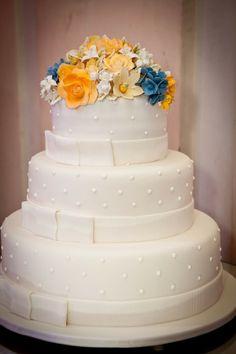 Casamento com decor em tons de amarelo  dourado | Bolo de Casamento | #weddingcake