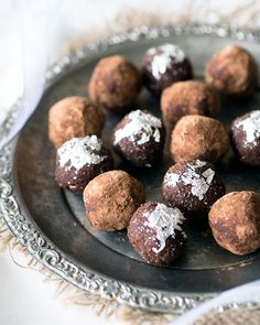 Loving Earth - Recipes - Healthy Chocolate Crackle Christmas Trees ...