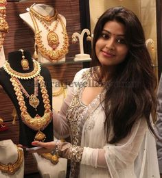 Jewellery Designs: Sneha Displaying Traditional Temple Sets