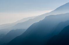 mountain dew during sunrise photo – Free Mountain Image on Unsplash Mountain Images, Mountain Pictures, Feng Shui, Himalaya Trekking, Photo Bleu, Free High Resolution Photos, Mountain Range, Mountain Dew, Sky And Clouds