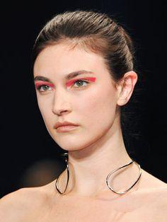 Best Beauty Trends of Fall 2014 New York Fashion Week - the bold eye - pink shadow - Altuzarra