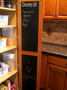 Organization of a pantry (3)