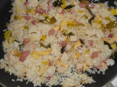 Fried rice with wok chicken - Family recipe for a large pan full - The normal home garden and kitchen nasi with chicken from the wok is a tasty family dish for weekda - Rice Recipes, Asian Recipes, Cooking Recipes, Healthy Recipes, Healthy Food, Rumchata Recipes, Nasi Goreng, Tortellini Recipes, Good Food
