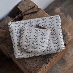 Bookhou pure linen pouches. Nice quality bags of natural fabric with a simple print. By Bookhou