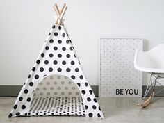 Everyone needs a little space just for themselves, including our furry friends. These teepees provide the perfect scape for your dog and are a charming addition to any room. They are very easy to assemble and lightweight, so it can be easily moved from place to place. Includes a matching zippered mat and a carry bag with handle. #pipolli