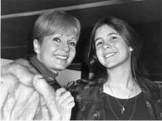 isher's death was shocking enough, but her mother Debbie Reynolds' passing a day later added an even more tragic note to the news. However, shots like this – taken in 1972 when Fisher was only 15 – show the two in much happier times. Needless to say, they will both be sorely missed.