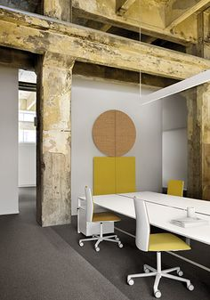 office with Kinesit chairs and Parentesit acoustic wall panels by Lievore Altherr Molina for Arper