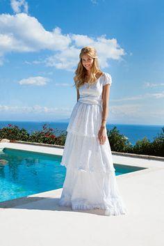 burda style - Schnittmuster - Stufen-Kleid  mit schmeichelndem Carmenausschnitt, Puffärmeln, sechs verschiedenen Spitzen und Bindebänder