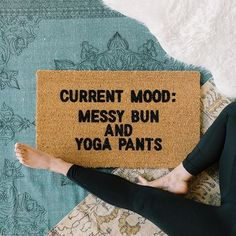 SATURDAY UNIFORM: Messy bun and yoga pants! Who am I kidding? That's pretty much my every day uniform as an entrepreneur! I mean, my yoga pants are lucky if they make it to yoga!  Living that I woke up like this life so I probably should warn the Fed Ex