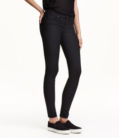 5-pocket, low-rise pants in washed superstretch twill with ultra-slim legs.