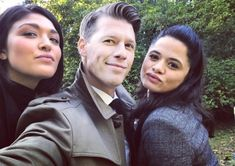 Charmed Tv Show, New Charmed, Other Woman, Twilight, Tv Shows, Scene, Couple Photos, Movies, Street Style
