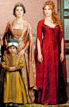 The Magnificent Century - Mahidevran Sultan and Hürrem Sultan with Şehzade Mustafa