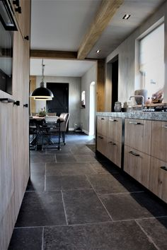 Keramische tegels - Tile Trade Center, by Ri. Farmhouse Flooring, Kitchen Flooring, Brick Tile Floor, Cosy House, Natural Stone Flooring, Industrial House, Modern House Design, Home Deco, Home Kitchens