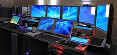 30 geweldige kantooromgevingen: monitoren setup http://www.kantoorruimtevinden.nl/blog/30-geweldige-kantooromgevingen/