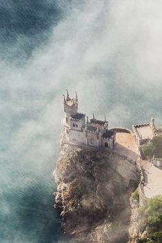 mstrkrftz:  Swallow's Nest in Yalta, Crimea. Aerial view by Serguei Fomine