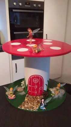 Toadstool fairy house Cable Reel Table, Wooden Cable Reel, Cable Spool Tables, Cable Spools, Wire Spool, Wooden Spools, Wire Reel, Cable Drum, Spool Crafts