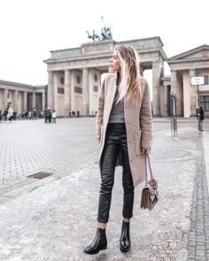 Hi Girls, time for a new outfit post. As you already know I have been to Berlin Fashion Week only few days ago. It was so good to be back in Berlin – even if it was freezing cold! Today I wan…