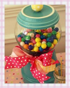 Asguests arrived for daughter Emma's recent gumball-themed birthday party, we invited them to take a few moments tomake gumball necklace...