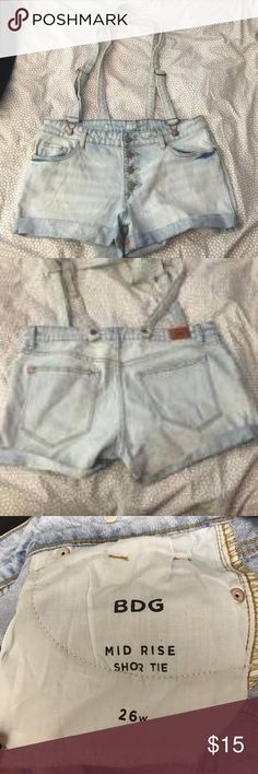 UO BDG Mid rise. 26w. Suspender shorts. UO BDG Mid rise. 26w. Suspender shorts. Like new. Light denim. Urban Outfitters Shorts Jean Shorts